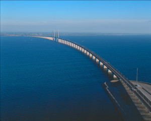 Arial photo of bridge viewed from Peberholm towards Sweden