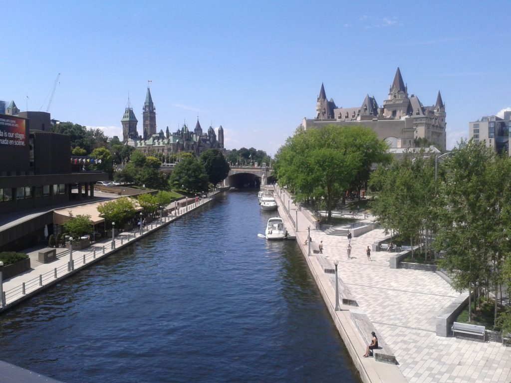 Canal in Ottawa (Summer) | Amanda around the world + Traveleira.com