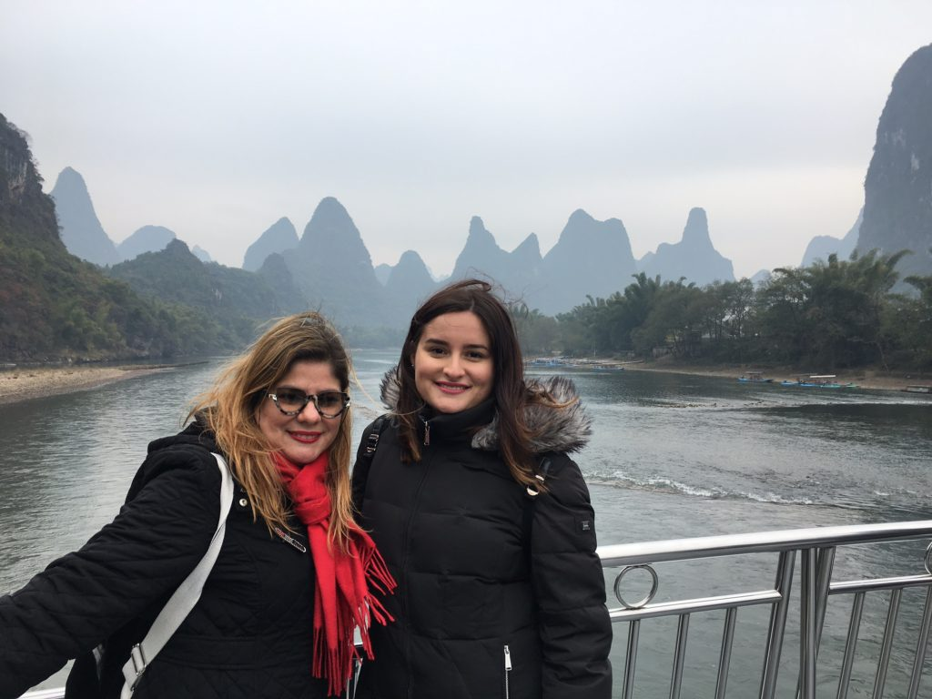 Mari and Val Round The World - #BoricuasWhoTravel - Traveleira.com